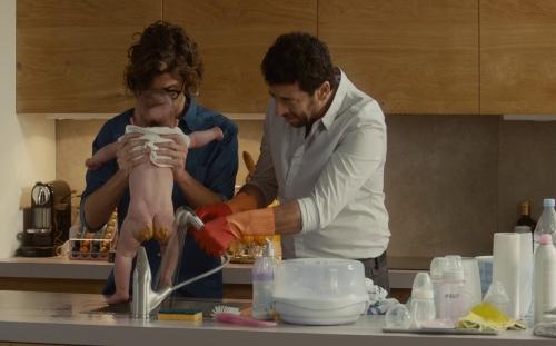 Ange et gabrielle gardent le bébé.jpg