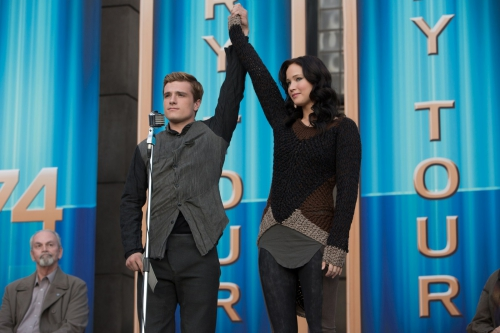 hunger games l'embrasement katniss et Peeta.jpg