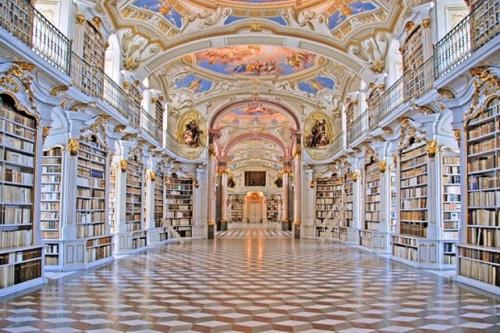 bibliothèque de l'Abbaye d'Admont en autriche.jpg